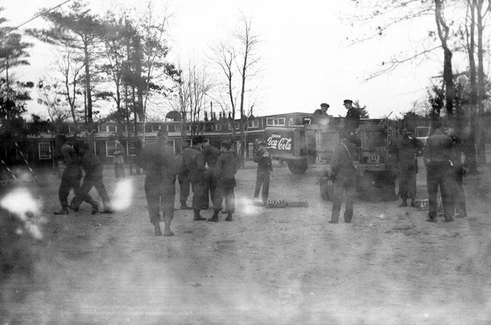 Photo abimée de guerre mondiale