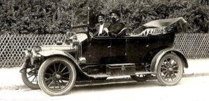 photo-ancienne-Marque-inconnue---Ancienne-voiture-decapotable-en-photo-de-19--