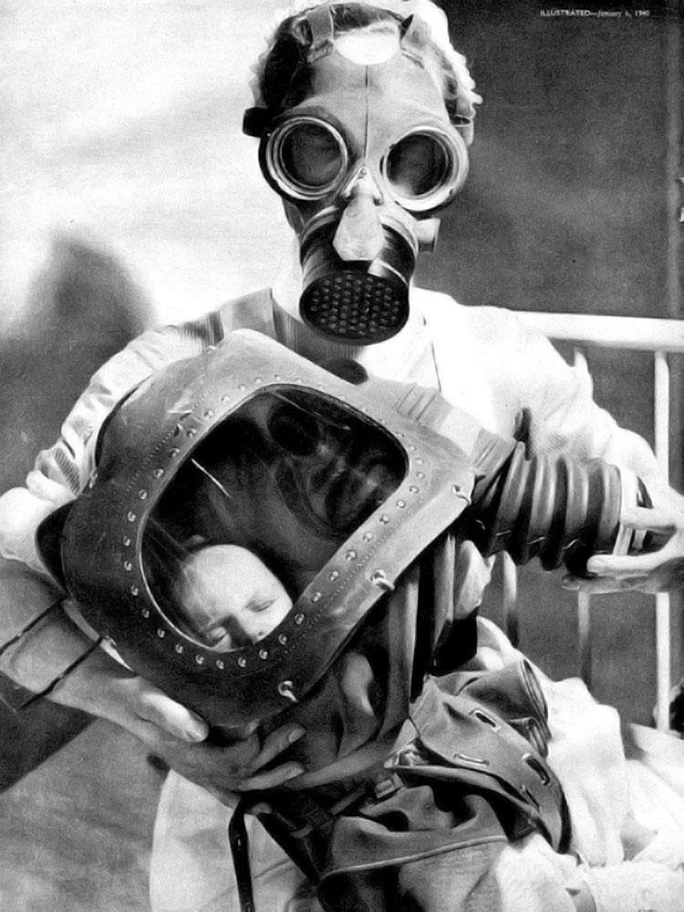 masques gaz pour b b s test s en 1940. Black Bedroom Furniture Sets. Home Design Ideas