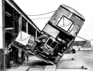 photo ancienne bizarre vehicule