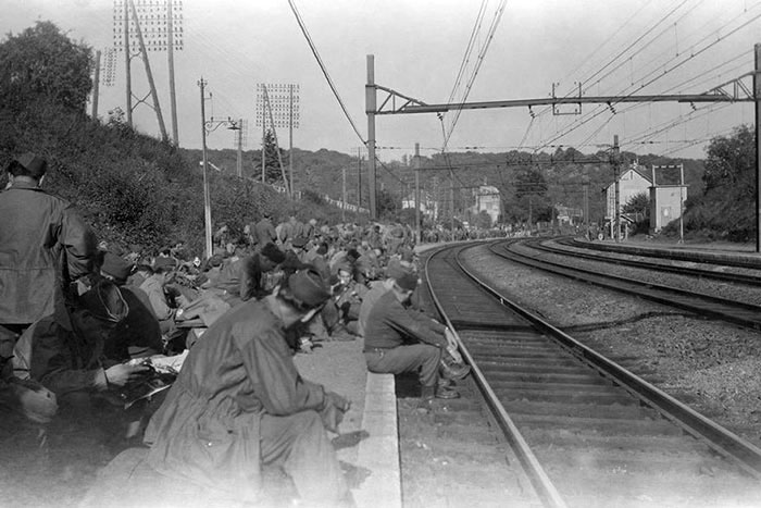 Photo de la 2eme guerre mondiale abimée