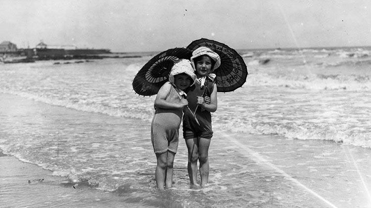 Avant le Bikini enfants plage