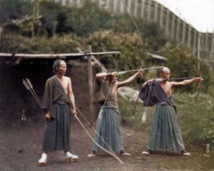 Top 25 photos anciennes historiques colorisées Archers Japonais