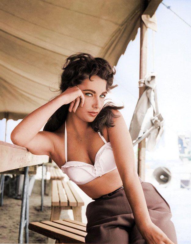 Top 25 photos anciennes historiques colorisées Elizabeth Taylor
