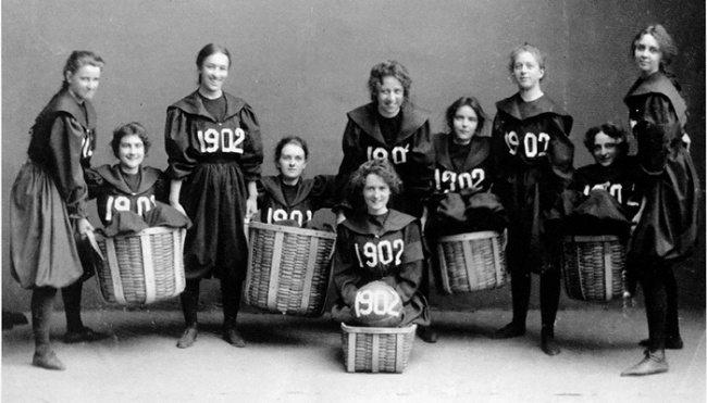 16-photos-anciennes-de-femmes-basketball