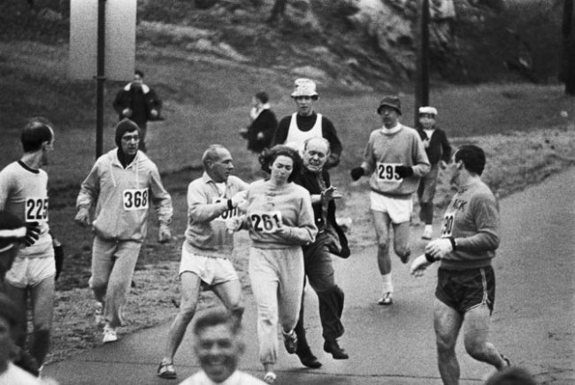 20-photos-anciennes-de-femmes-kathrine-switzer-marathon