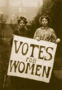 4-photos-anciennes-de-femmes-votes-femmes