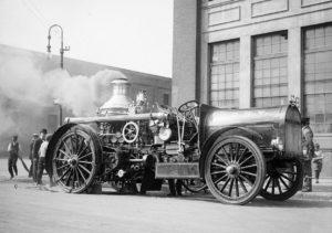 33-photos-anciennes-camion-vapeur-pompier-new-york