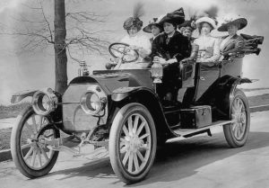 photo-ancienne-Alco---Cinq-passagers-version-tourisme---Voiture-decapotable-de-1910