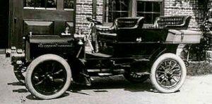 photo-ancienne-Buffum-Tourisme---Voiture-ancienne-de-1904