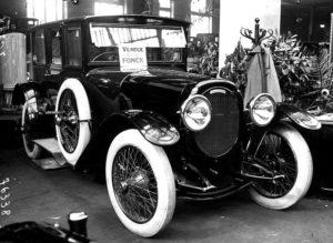 photo-ancienne-Chenard-et-Walker-type-berline---Voiture-a-conduite-interieure-1919