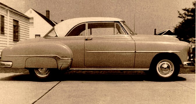 photo-ancienne-Chevrolet-Bel-Air-hardtop---Ancienne-voiture-de-1952