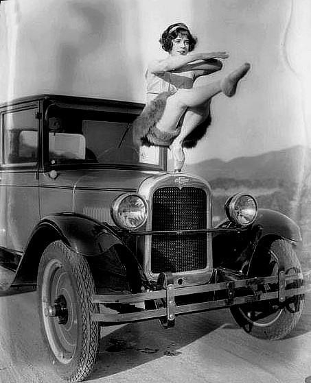 photo-ancienne-Chevrolet-radiator---Ancienne-voiture-de-1917
