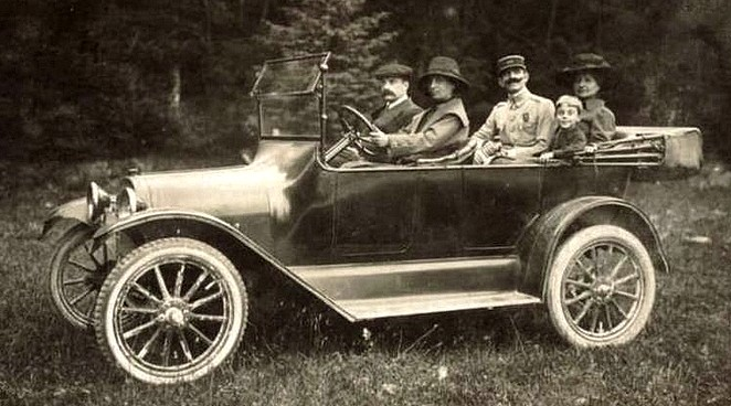photo-ancienne-Chevrolet-type-tourisme---Photo-ancienne-voiture-decapotable-de-19--