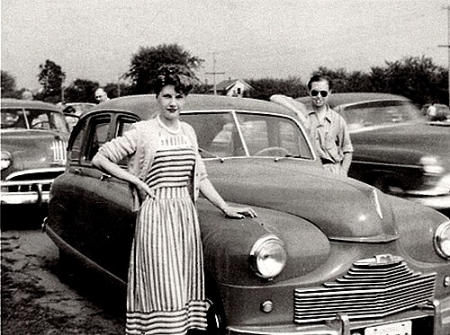photo-ancienne-Marque-inconnue---Ancienne-voiture-des-annees-50-de-1952